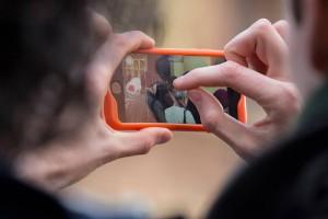 InBeeld_monteren-met-een-smartphone